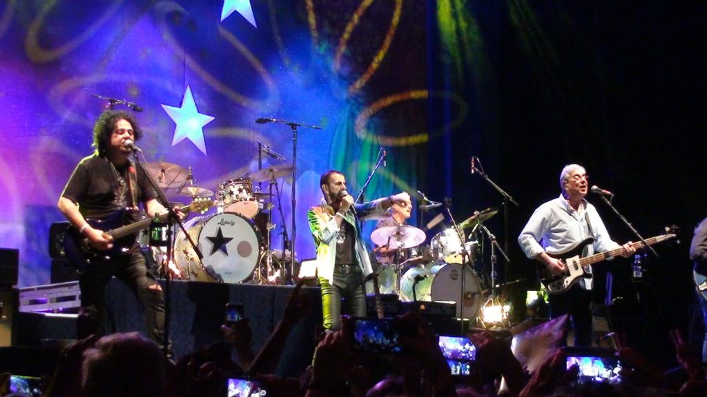 Ringo Starr quiere grabar con McCartney y Dylan - Página 2 Dsc01623