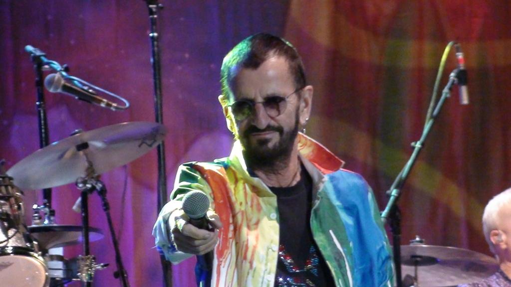 Ringo Starr quiere grabar con McCartney y Dylan - Página 2 Dsc01710