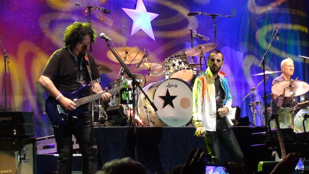 Ringo Starr quiere grabar con McCartney y Dylan - Página 2 Dsc01713