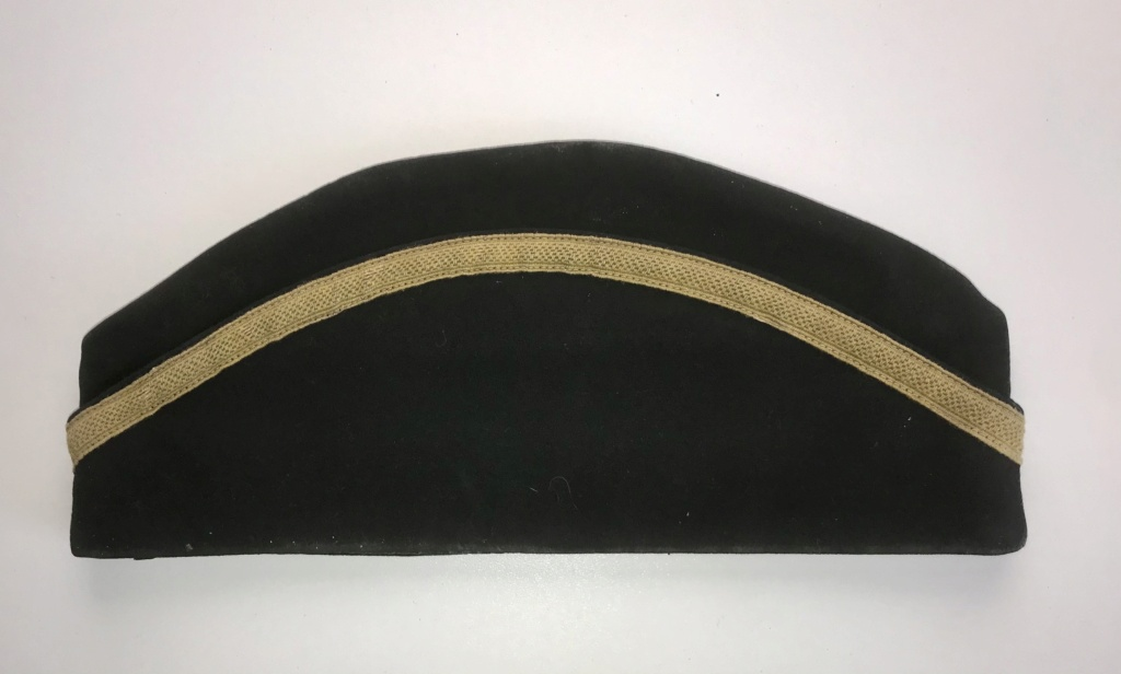 Identification bonnet de police 7500e410
