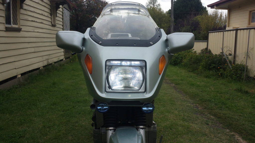 DRL & headlight colours mismatch UK 20200418