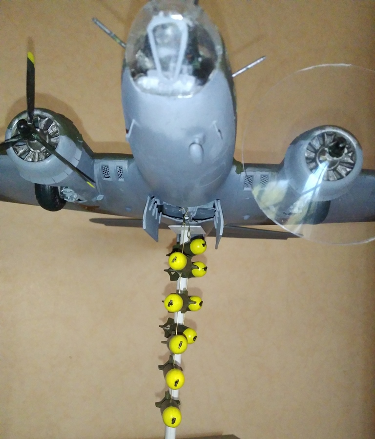 B-17 F revell au 1/48 en vol... 04_04_13