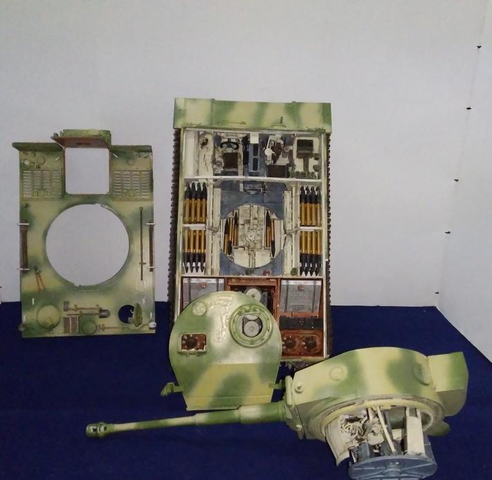Tigre 1 RMF .s.PZ.ABT.503 Eastern front 1943 full intérieur 1/35 18_01_14