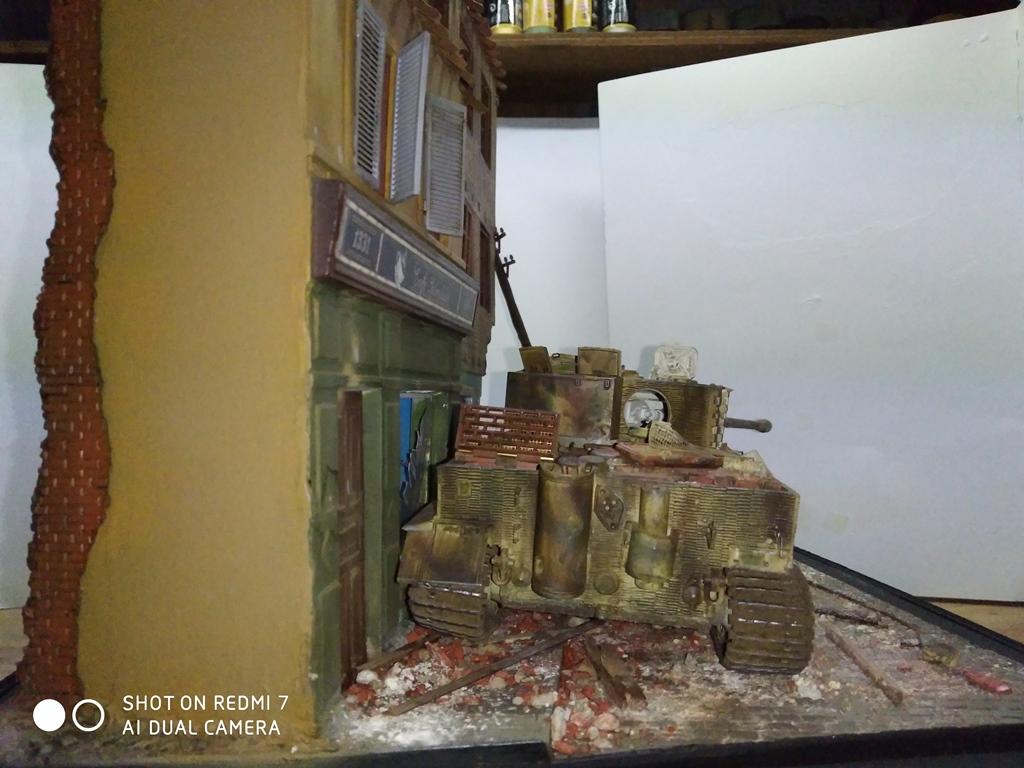 TERMINE....Juin 1944 Rauray 1944 la fin du monstre.....Tigre Dragon, Zimmerit Atak, ruine MiniArt - 1/35 - Page 2 22_12_11