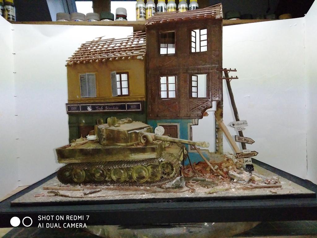 TERMINE....Juin 1944 Rauray 1944 la fin du monstre.....Tigre Dragon, Zimmerit Atak, ruine MiniArt - 1/35 - Page 2 22_12_12
