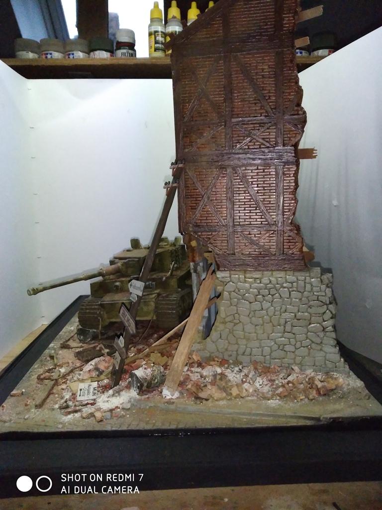 TERMINE....Juin 1944 Rauray 1944 la fin du monstre.....Tigre Dragon, Zimmerit Atak, ruine MiniArt - 1/35 - Page 2 22_12_15