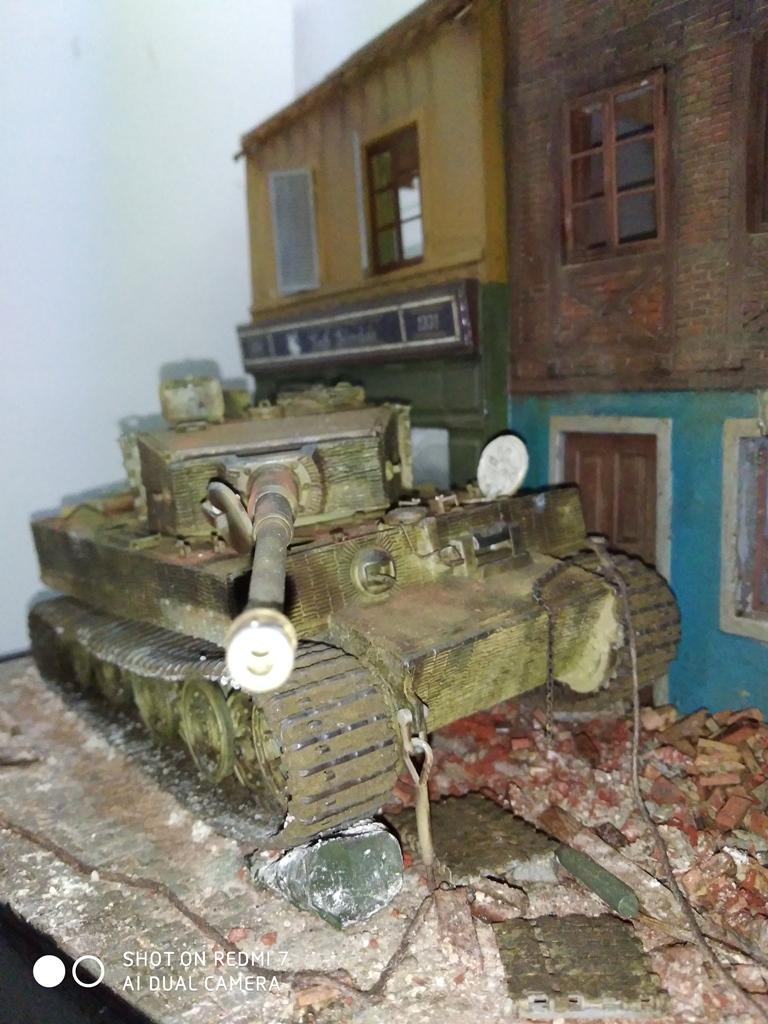 TERMINE....Juin 1944 Rauray 1944 la fin du monstre.....Tigre Dragon, Zimmerit Atak, ruine MiniArt - 1/35 - Page 2 22_12_18