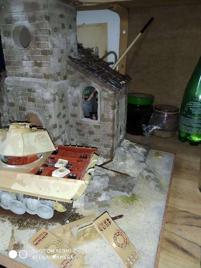 Normandie 44 la fin de la bête....Panther Tamiya 1/35 église scratch - Page 3 27_11_11