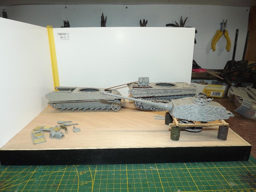 Usine de construction de Tigre 2....1/35 Dscf4022