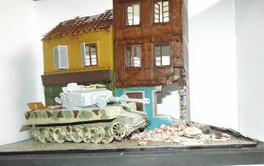 TERMINE....Juin 1944 Rauray 1944 la fin du monstre.....Tigre Dragon, Zimmerit Atak, ruine MiniArt - 1/35 Dscf4316