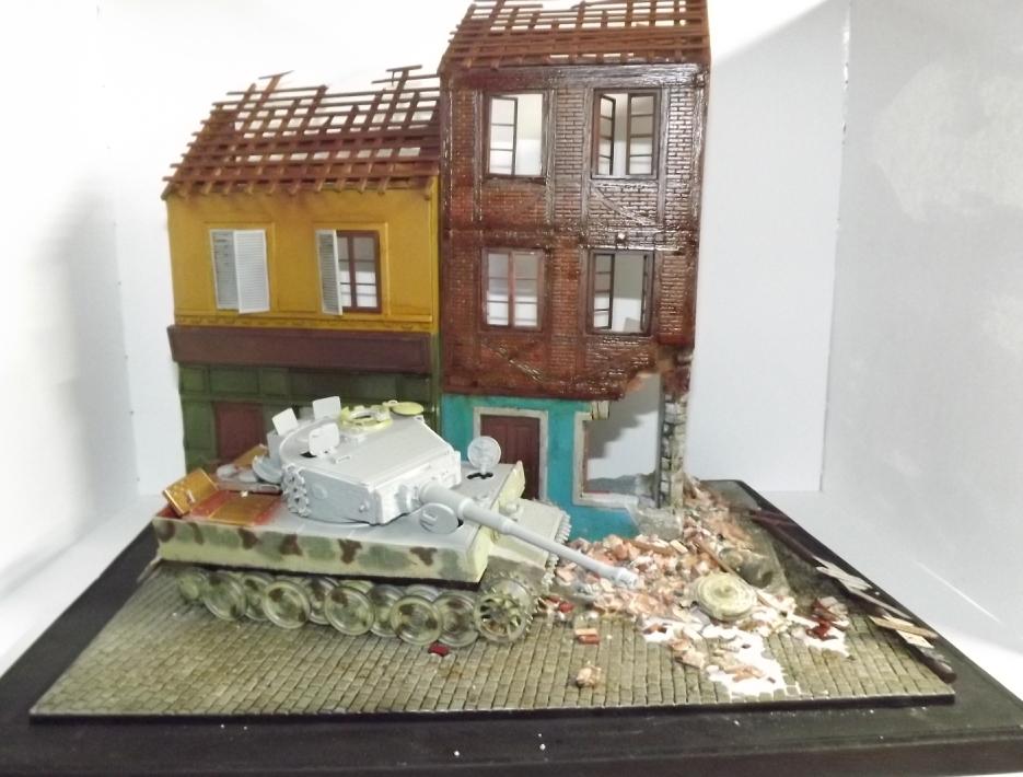 TERMINE....Juin 1944 Rauray 1944 la fin du monstre.....Tigre Dragon, Zimmerit Atak, ruine MiniArt - 1/35 Dscf4318