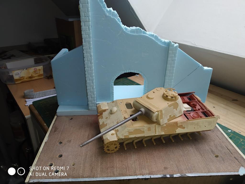 Normandie 44 la fin de la bête....Panther Tamiya 1/35 église scratch Img_2402