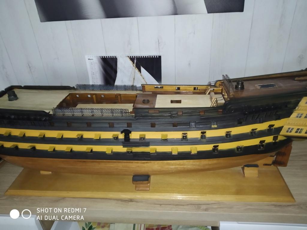 HMS Victory (sur plan Corel 1/150°) par sarthois Img_2831