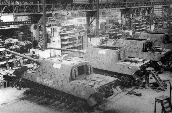 Usine de construction de Tigre 2....1/35 Jagdti10