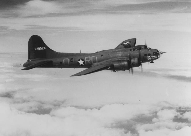 B-17 F revell au 1/48 en vol... Media-10