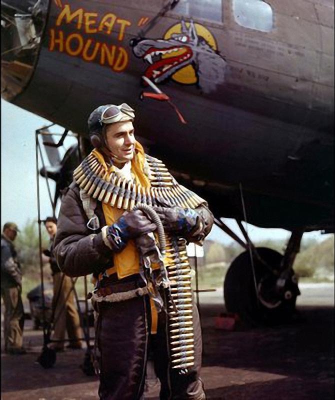 B-17 F revell au 1/48 en vol... Media-12