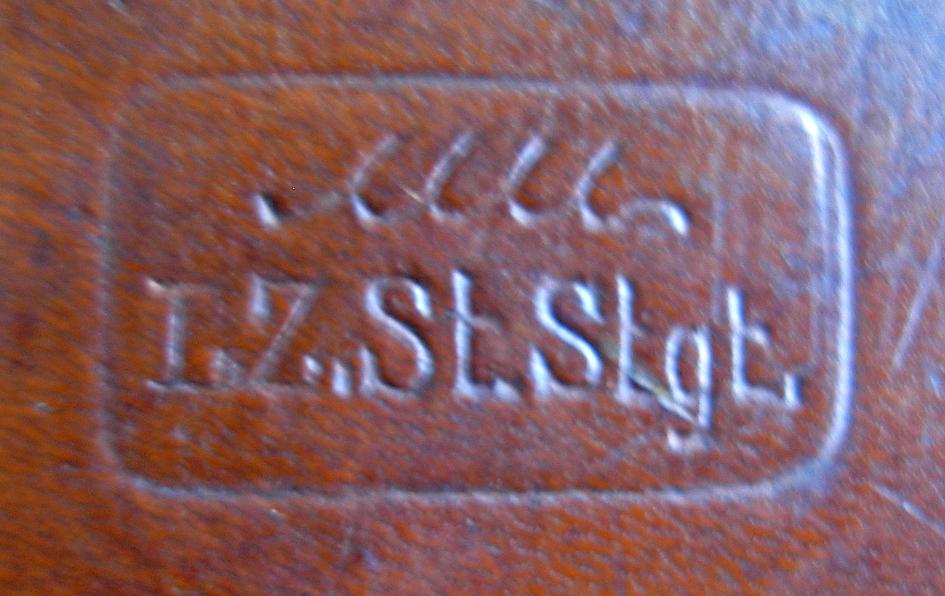Identification marquages étui cuir Dscn3710