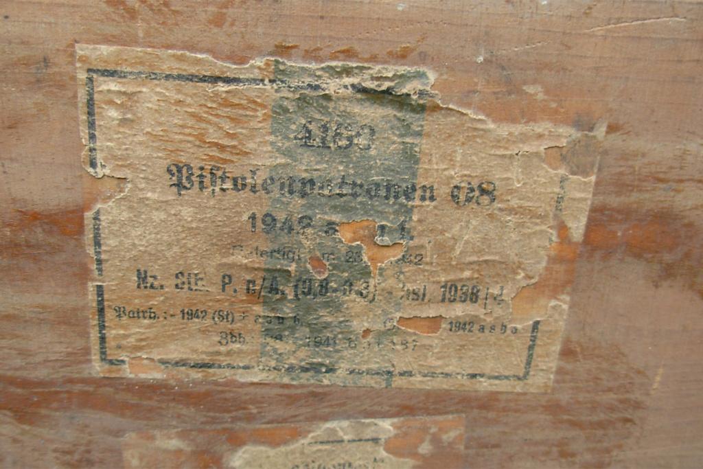 caisse allemande WW2 pour 9mm ? Dscn4810