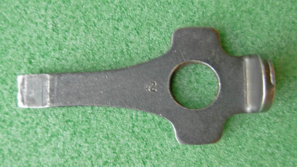 Clé P08  S/42 Dscn4819