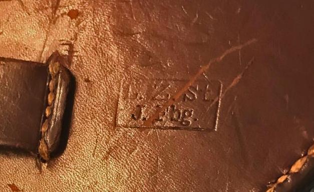 Identification marquages étui cuir Leder_10