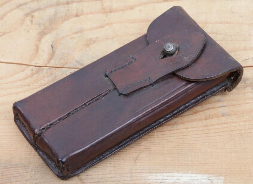Une rare pochette porte chargeur de Luger de la marine impériale Mag_po14