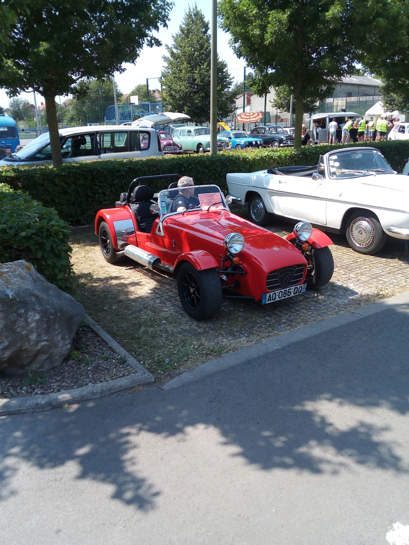 Rassemblement voitures anciennes sur hinges Img_2024