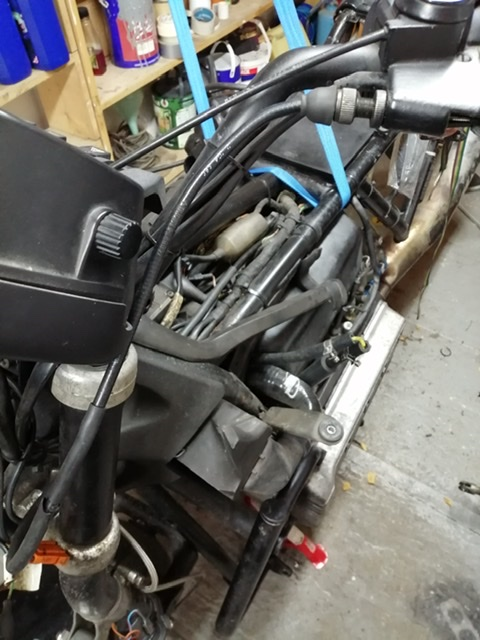 Clutch cable routing  1988 K100 RS F2d65c10