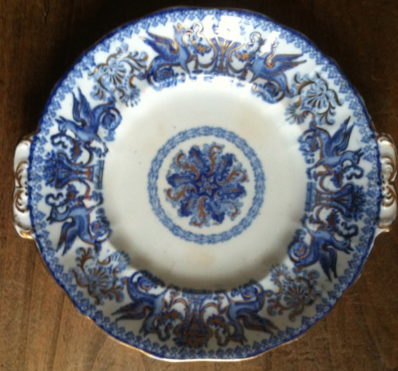 Unknown English porcelain with griffins Img_4616
