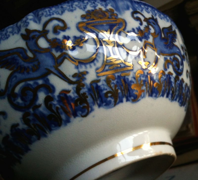 Unknown English porcelain with griffins Img_4617