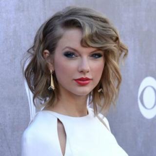 Pourquoi j'aime ou je n'aime pas tel artiste  Taylor11