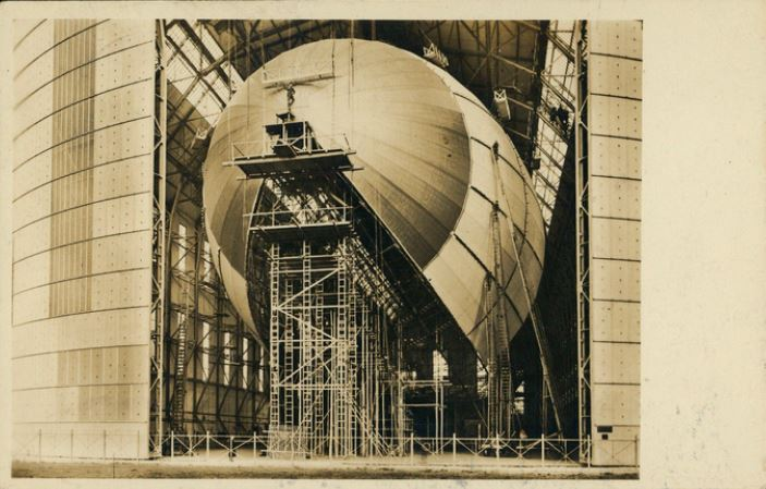 Ansichtskarten der Luftschiffe Bau10