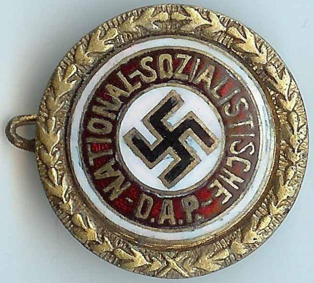 Badges du NSDAP - Page 3 Gold_p16