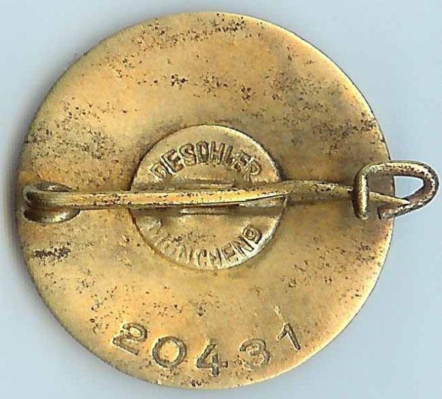 Badges du NSDAP - Page 3 Gold_p17