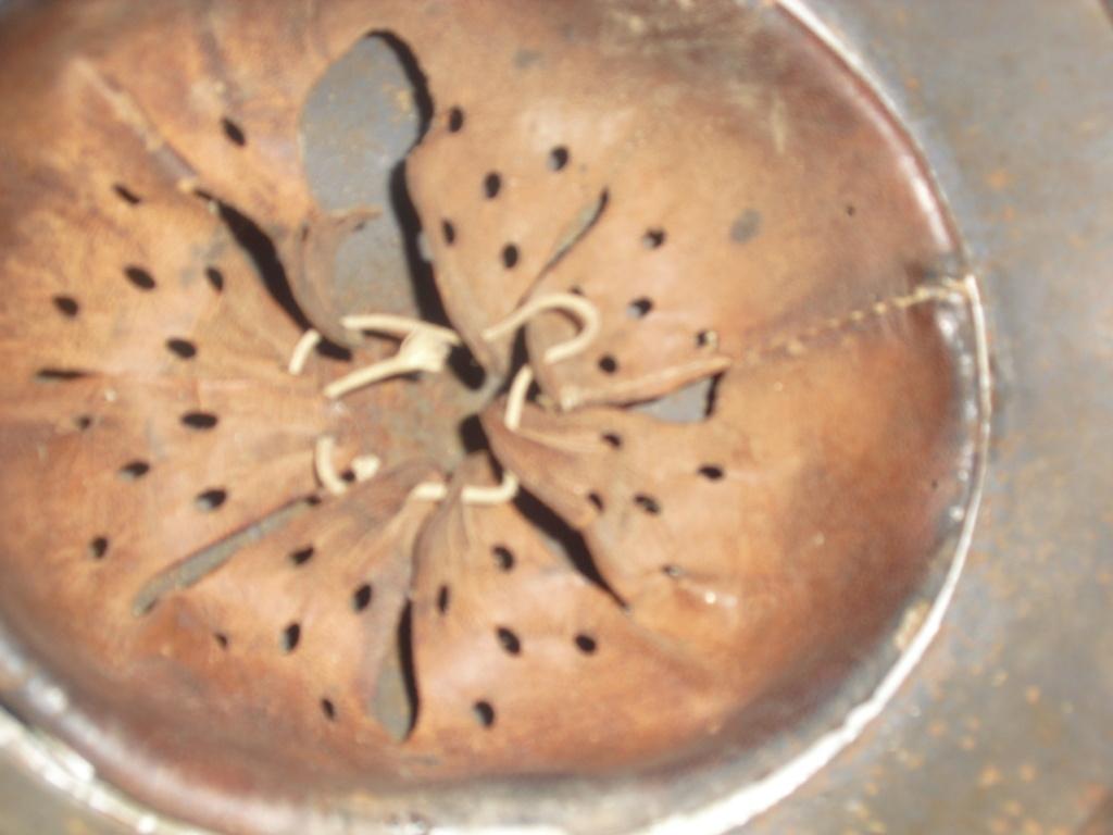deux casque allemand MOD 35 Cimg9645