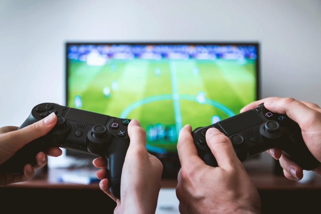 Продажи видео игр бьют рекорды, несмотря на снятие карантина и лето A36