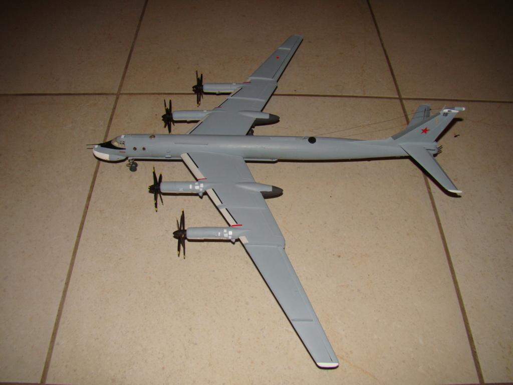 TU-95 Bear 1/100 VEB Plastikart Dsc03623