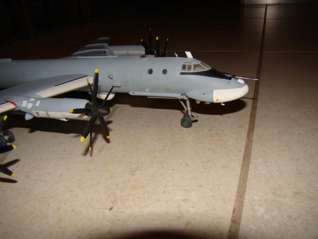 TU-95 Bear 1/100 VEB Plastikart Dsc03624