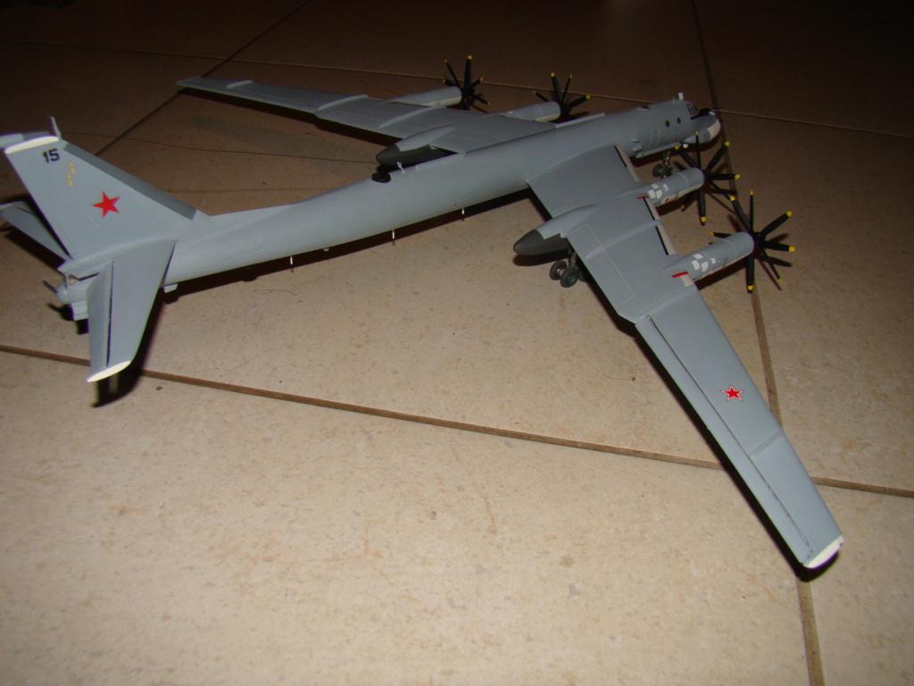 TU-95 Bear 1/100 VEB Plastikart Dsc03625
