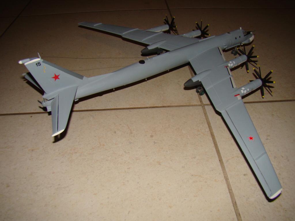 TU-95 Bear 1/100 VEB Plastikart Dsc03630