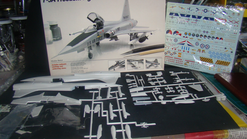 [Testors] Northrop Freedom Fighter F-5A 1/48 Armee de l'Air Greque Dsc08115