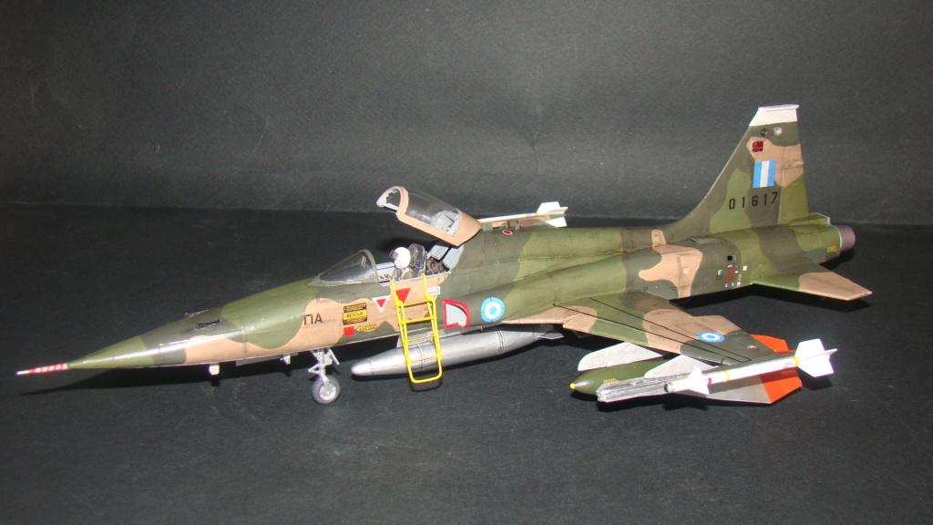 [Testors] Northrop Freedom Fighter F-5A 1/48 Armee de l'Air Greque Dsc08132