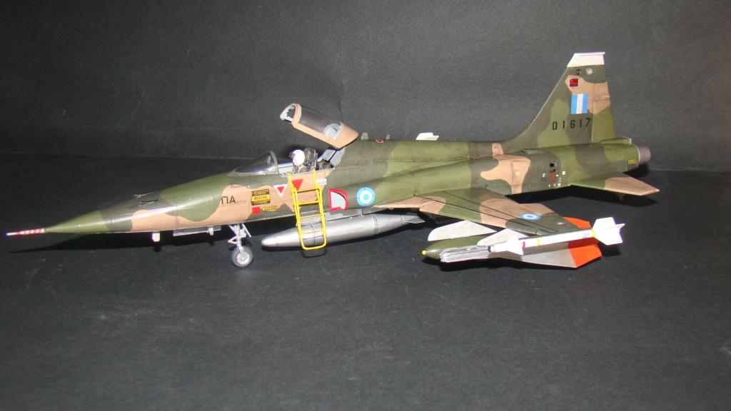 [Testors] Northrop Freedom Fighter F-5A 1/48 Armee de l'Air Greque Dsc08133