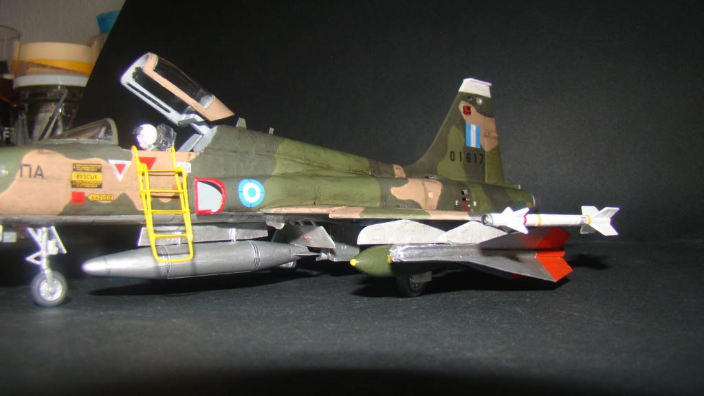 [Testors] Northrop Freedom Fighter F-5A 1/48 Armee de l'Air Greque Dsc08141