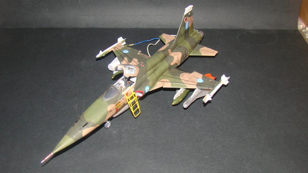 [Testors] Northrop Freedom Fighter F-5A 1/48 Armee de l'Air Greque Dsc08142