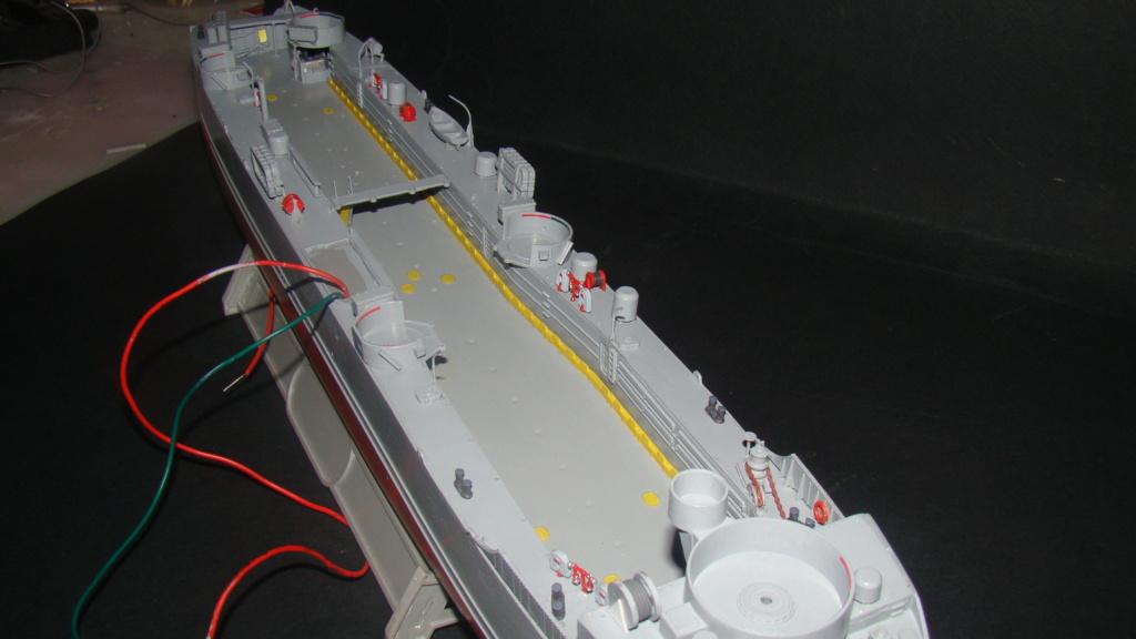 LSM L164 Roussen (Revell 1/144° moteurs-lumieres) par nikolaos Dsc08210