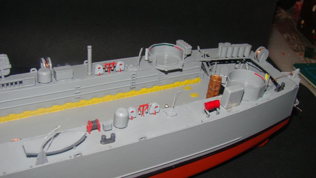 LSM L164 Roussen (Revell 1/144° moteurs-lumieres) par nikolaos Dsc08221