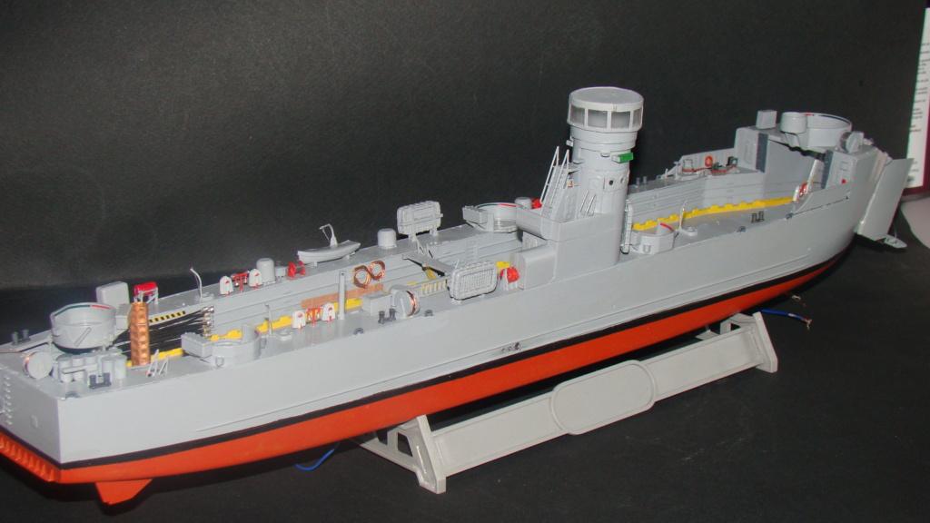 LSM L164 Roussen (Revell 1/144° moteurs-lumieres) par nikolaos Dsc08234
