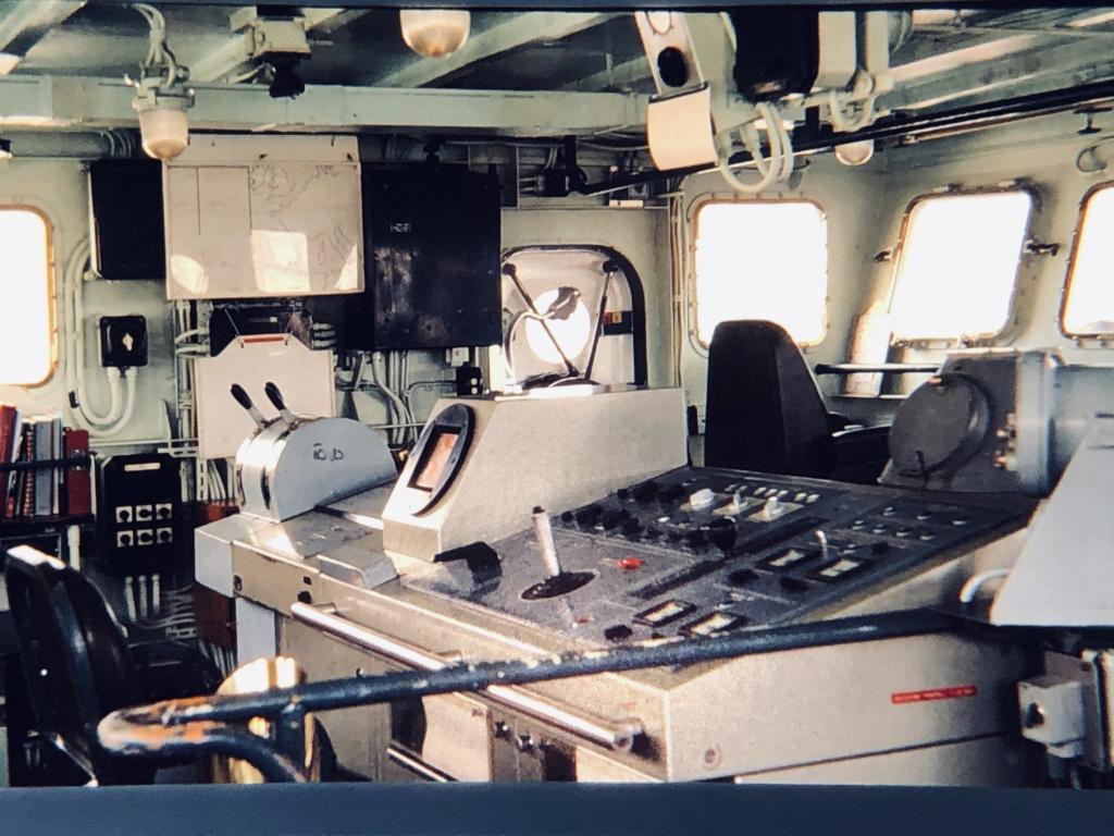 [Plongeurs démineurs] Bâtiment d'Expérimentations et de Recherches Sous-Marines (BERSM) TRITON - Page 4 Img_0411