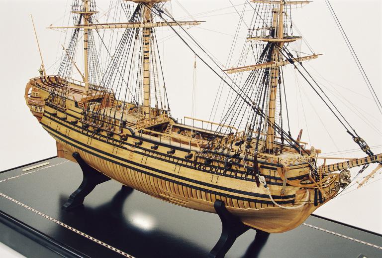 Bonhomme Richard : 2) Gréement (ZHL Model 1/48°) de Pierre Malardier - Page 5 Ship-m10