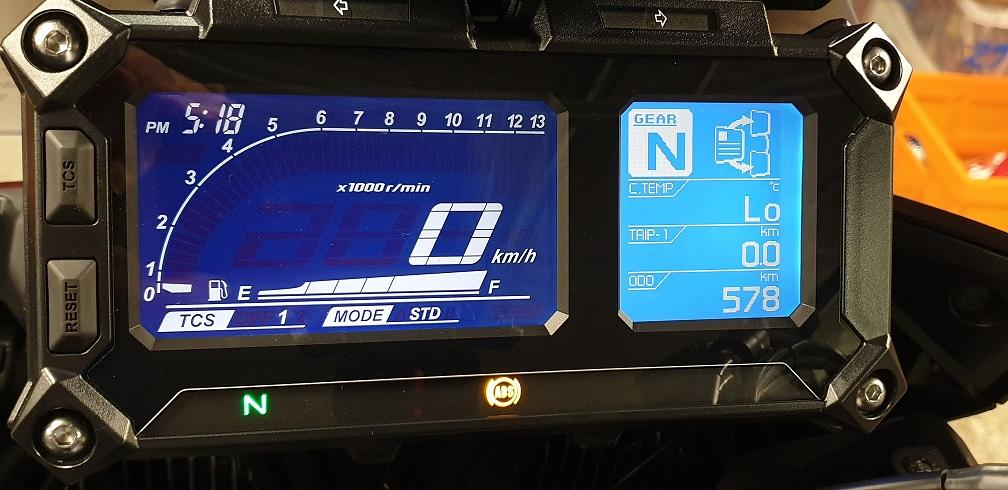 Modification couleur de fond d'écran du compteur du Tracer Compte10